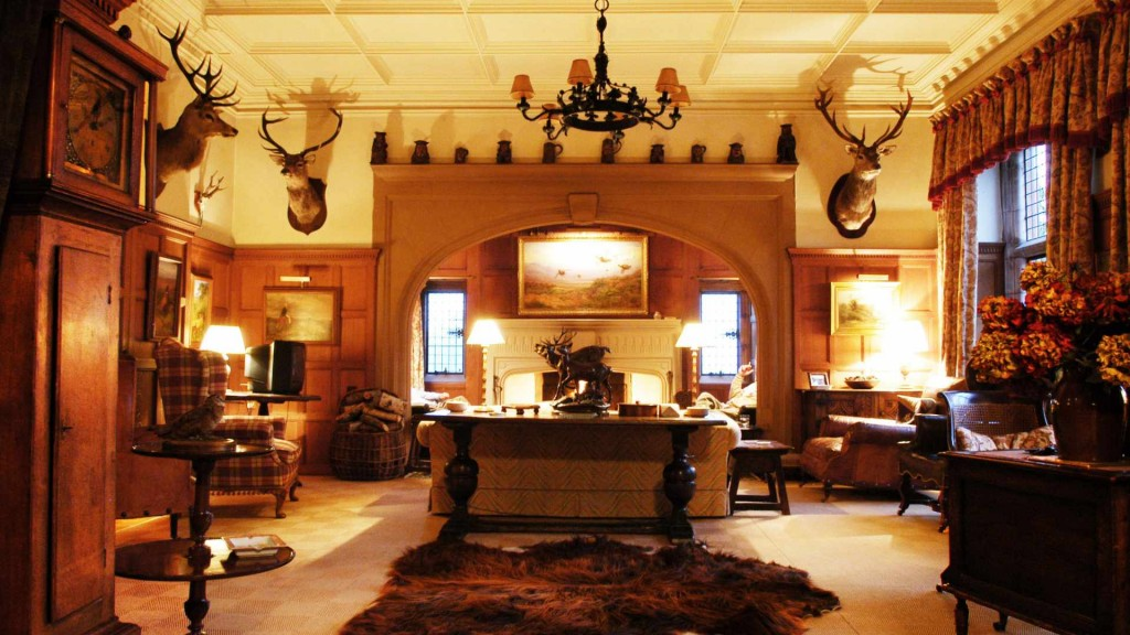 House of Glenmuick - sporting lodge for large family holidays Scotland