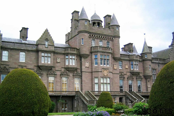 Scottish castle apartment near Brechin