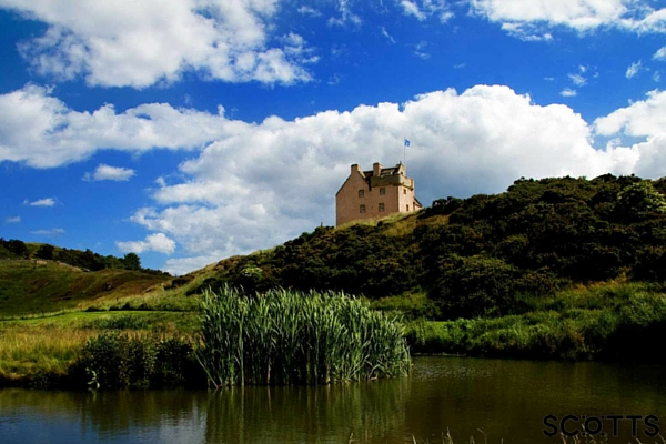 Luxury castle tower for rent near Edinburgh