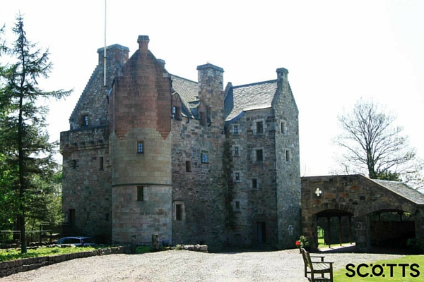 Self-catering castle near St Andrews