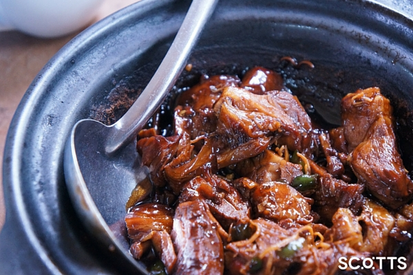 slow cooked beef for beef and ale casserole for large groups