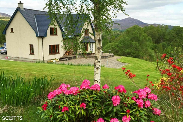 large holiday accommodation Fort William