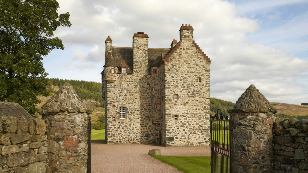 luxury scottish castle in the Highlands