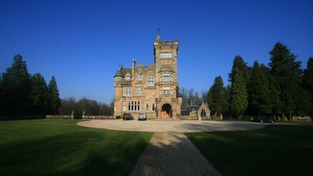 Striking castles to rent in 2018