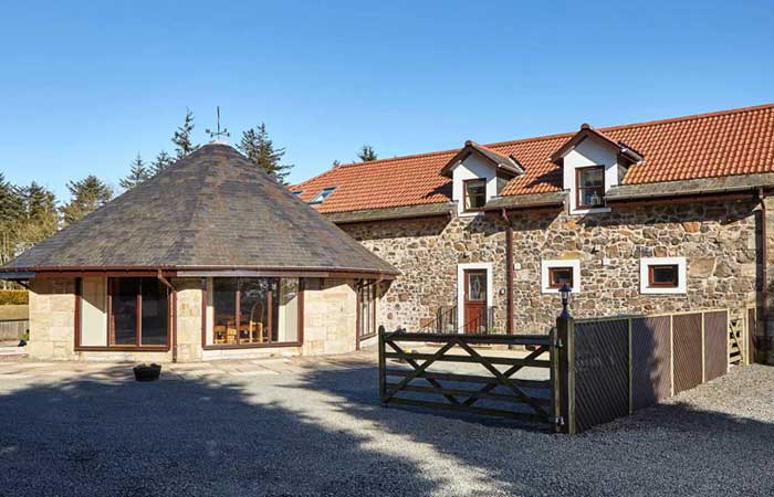 Luxury Round House, near St Andrews