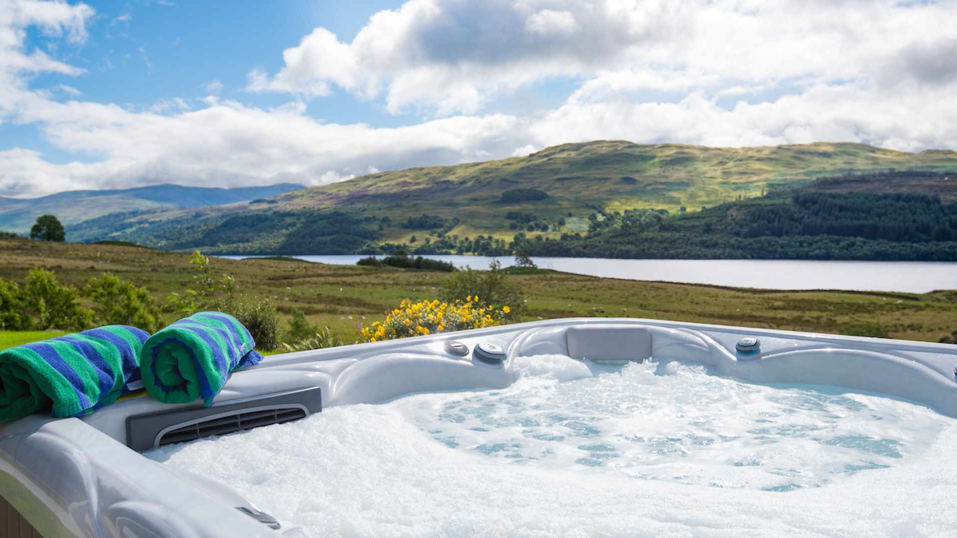 Overlooking Loch Tay, this hot tub has prime position